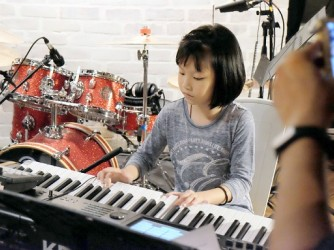 Popular Piano For Kids by School of Drums