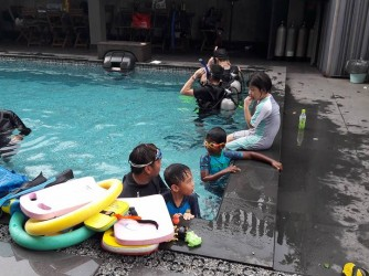 Swimming lessons by Scuba Genesis & Services