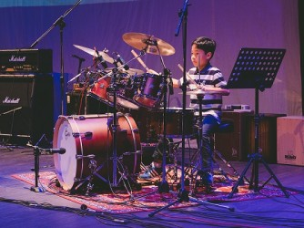 Drum lessons for kids by Swee Lee Music Company