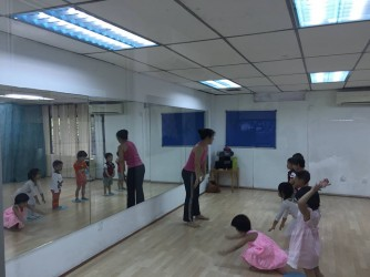 Music, Movement and Dance for Kids ( Preschoolers )   by Lara's Place: Activity & Learning Center