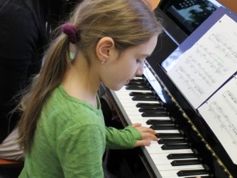 Piano Lessons by Isodes Music Sdn. Bhd.