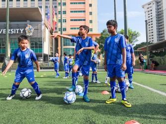 Football Lessons ( Seniors ) by Dream Village Football Academy