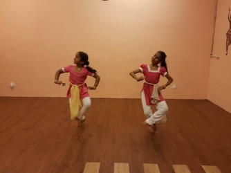 Bharatanatyam Lessons by Dakshra FIne Arts