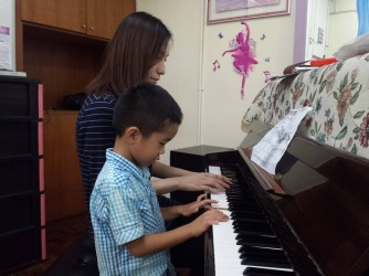 Piano Class for Kids by Yogaero Art Music & Dance