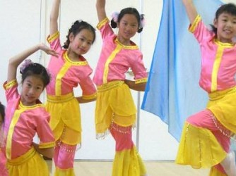 Chinese Dance by Swanlina Dance Studio